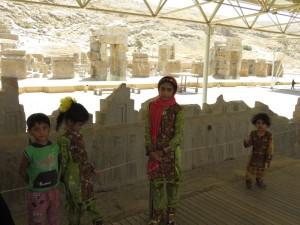 Kinder in Persepolis